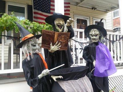 Halloween - Salem (big)