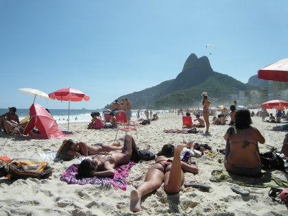 In Rio de Janeiro Women's day goes to the beach!