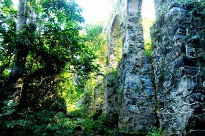 Les ruines de l'aqueduc