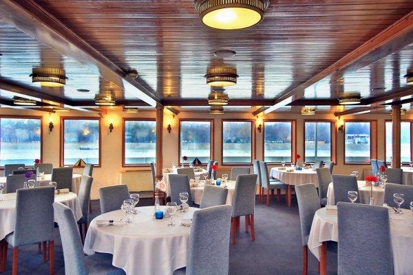 Boat Hotel Fortuna