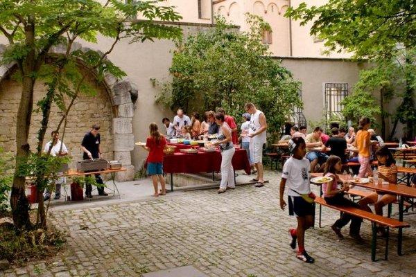 Würzburg Youth Hostel / Jugendherberge Würzburg
