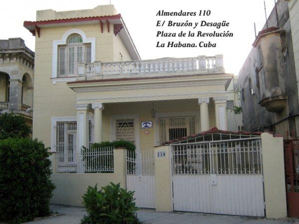 Almendares Hostal