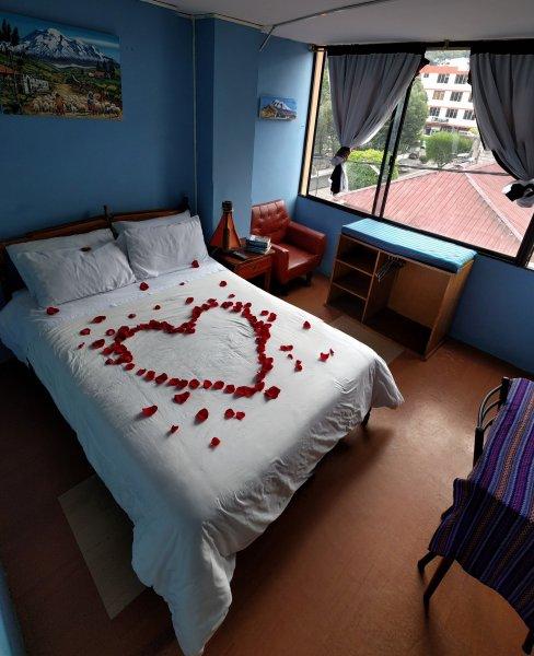 Erupcion Art Hotel & Hostel