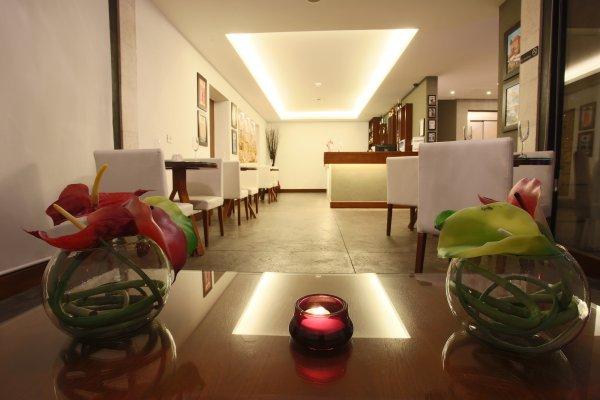 Monoberge Hotel