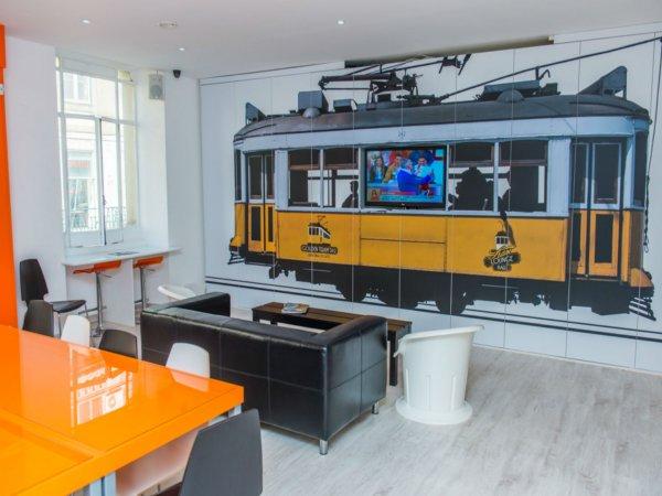 Hostal Golden Tram 242 LISBON