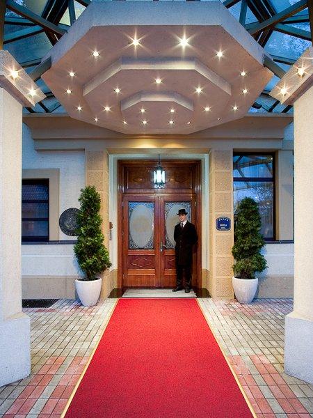 Zlatnik Hotel