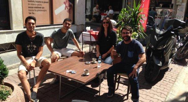 Hostal The Hub  & Café