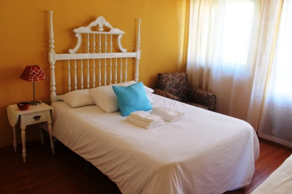 Hostal Ericeira Chill Hill  & Private Rooms  - Peach Garden