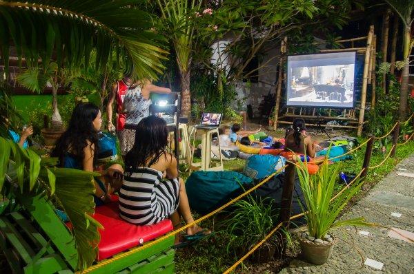 Hostal Jeepney  & Kite Resort