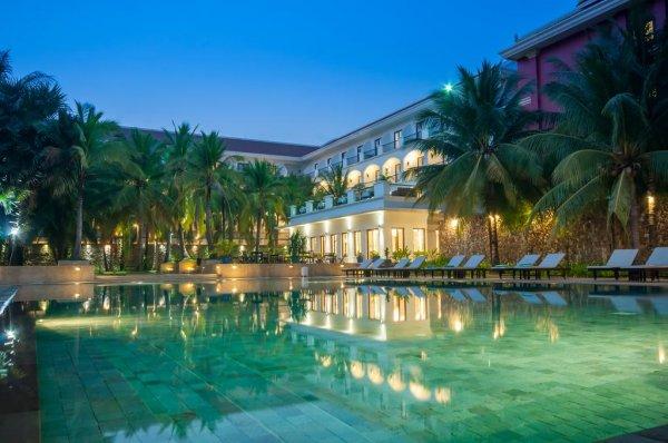 Lotus Blanc Hotel