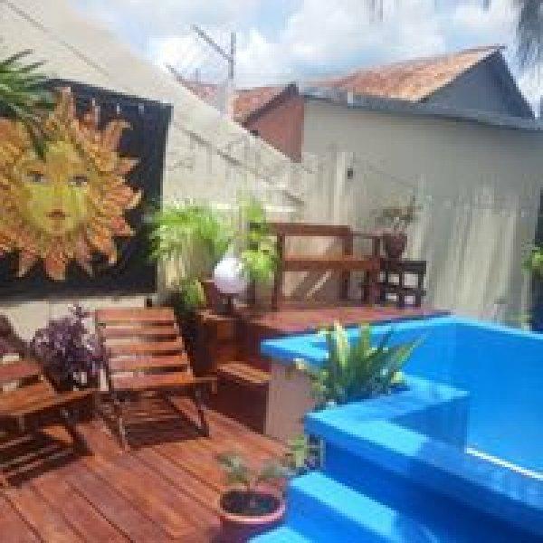 Mango's Hostel