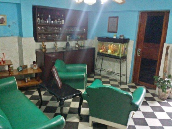 'Fernandez Room Rentals'