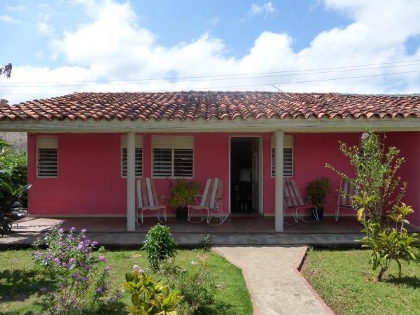 Villa Damy y Román