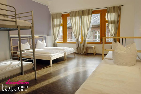 Hostal Baxpax Downtown  Hotel