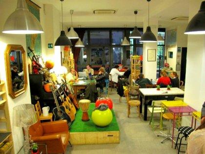 Design hostels in italy hostelsclub for Ostello bello milano brunch