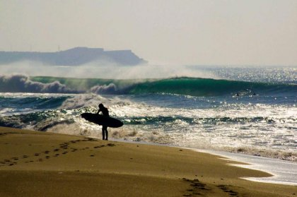 Surfing in Peniche (big)