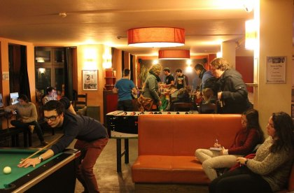 Bar Belushi (big)