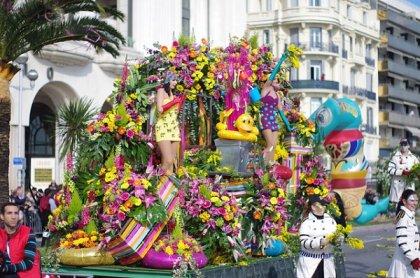 Die Blumen-Schlacht beim Karneval von Nizza (big)