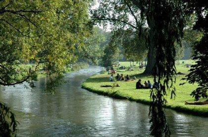 Der Englische Garten in München (big)