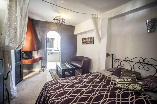 Essaouira Youth Hostel and Social Travel