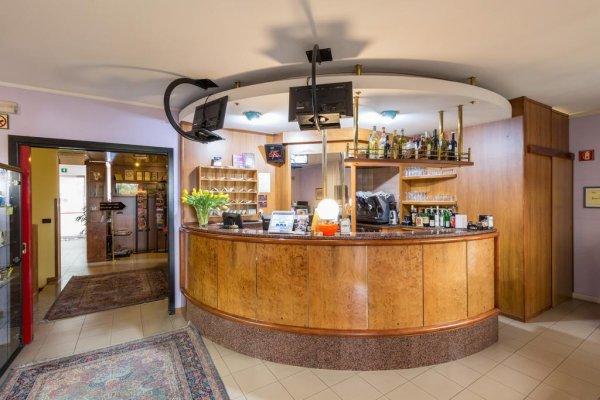 Roy Hotel