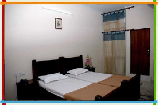 Hotel Raghuraj Palace