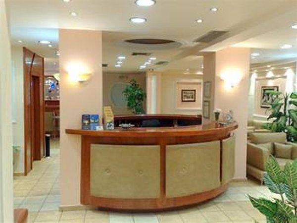 Faros II Hotel Piraeus