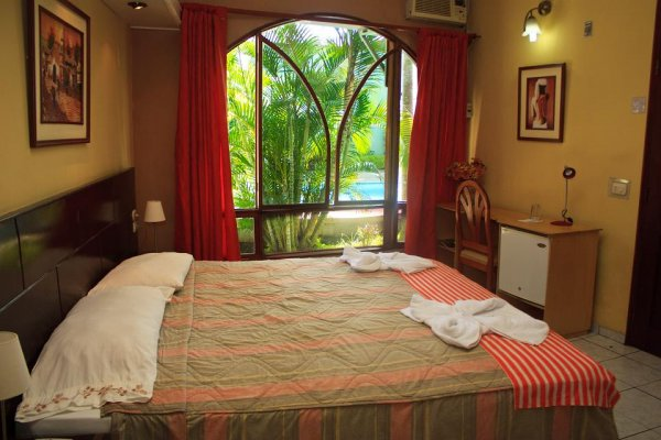 La Posada de Lobo Hotel & Suites