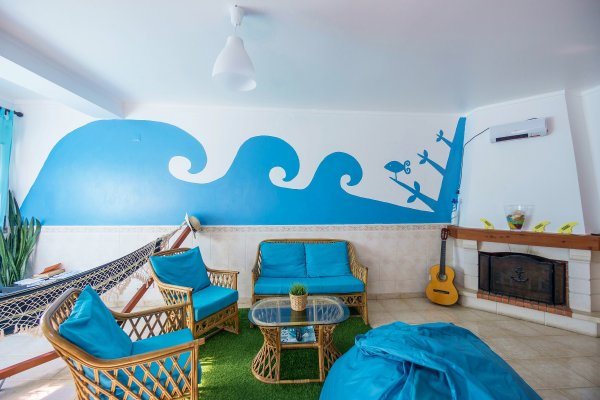 Hostal H2O Surfguide