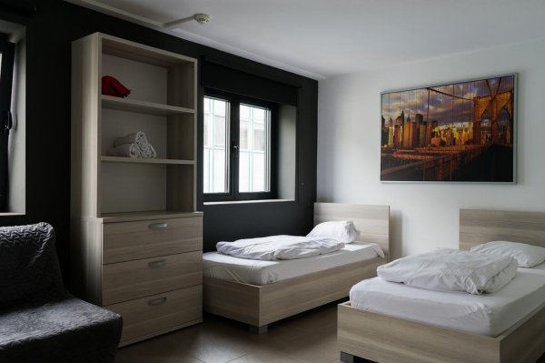 13 o'Clock Hostel