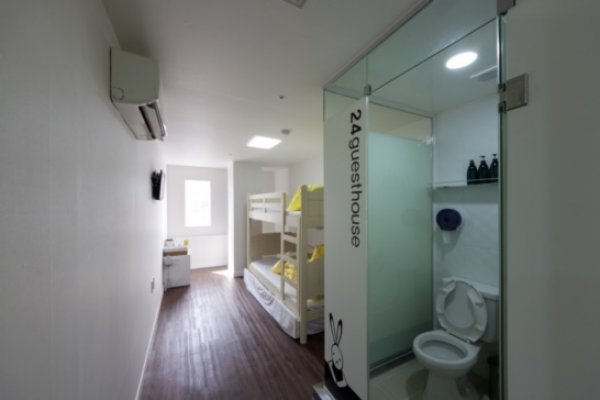 24 GuestHouse Myeongdong Town