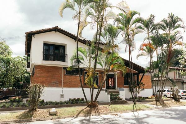 Hostal Casa Lirio