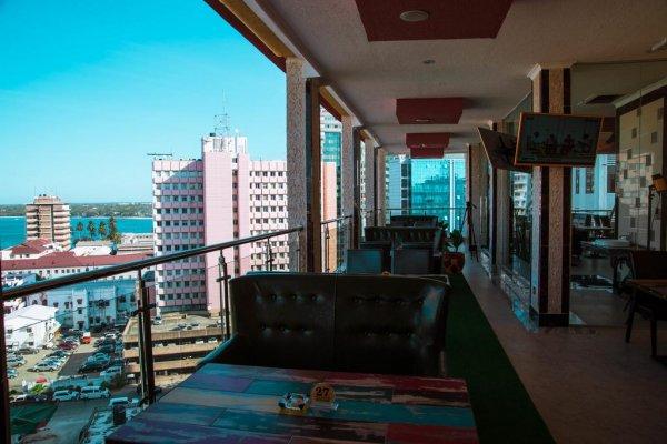 Tiffany Diamond Hotel Makunganya Street