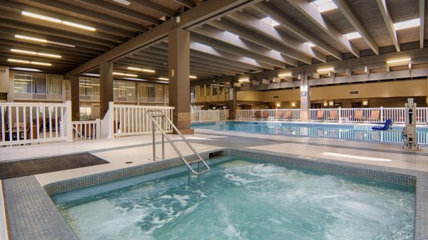 Norwood Inn & Suites Mankato