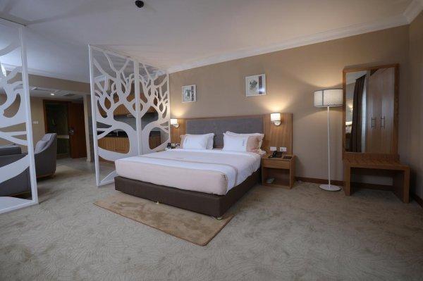 Mado Hotel